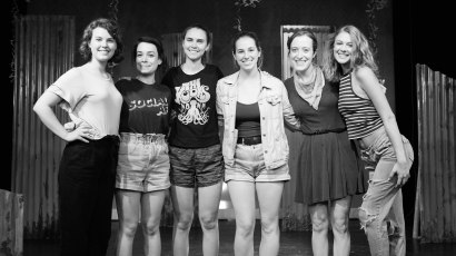 From right to left: Kenzie Stewart (Peg), Franny Harold (Willa), Marian Kansas (Director & Producer), Katy Matz (Dramaturg & Producer), Nicole Oglesby (Playwright & Producer), Laney Neumann (Margot). Photo by Daniel Ellsworth.